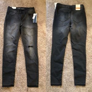 NEW Old Navy Rockstar Jeans Mid Rise Size 2